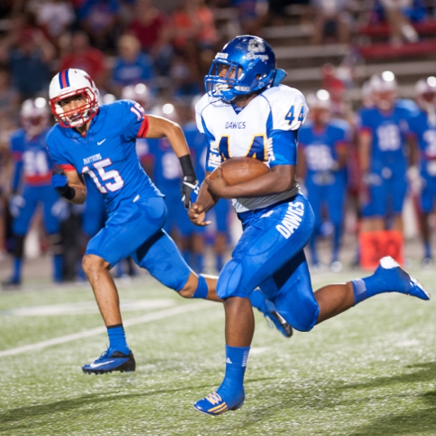 Shaq Fluelen scores a Cove's first touchdown. (David Morris/Copperas Cove Leader Press)