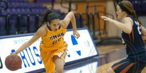 Alyssa Dean sored 27 points to help UMHB with a comeback win over Louisiana College on Thursday, December 18, 2014 in Belton. (David Morris / Centexphoto Facebook)
